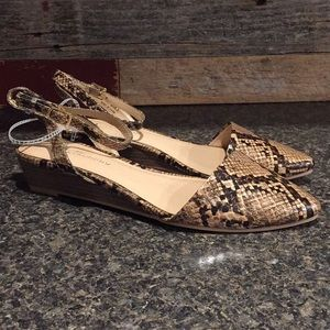 CL by Laundry size 8M Strappy Snakeskin Sandals